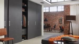 Raffito-schuifdeur-loft-blank-staal-Hubo-Amstelveen-1024x576